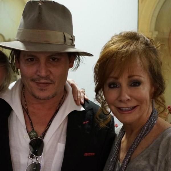 johnny-depp-and-amber-heard-go-country-with-reba-brooks-amp-dunn-find-out-their-surprising-connection-4