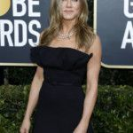 jennifer-aniston-sends-friends-fans-into-meltdown-with-sweet-snaps-with-courteney-cox-and-lisa-kudrow-2