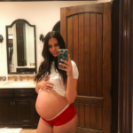 april-love-geary-is-ready-to-pop-in-new-baby-bump-selfie-4