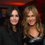 courteney-cox-and-jennifer-aniston-reunite-at-a-movie-premiere-plus-more-pics-you-have-to-see-4