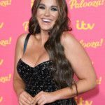 vicky-pattison-pokes-fun-at-her-8216-squishy-winter-bod-8217-after-over-indulging-during-festive-break